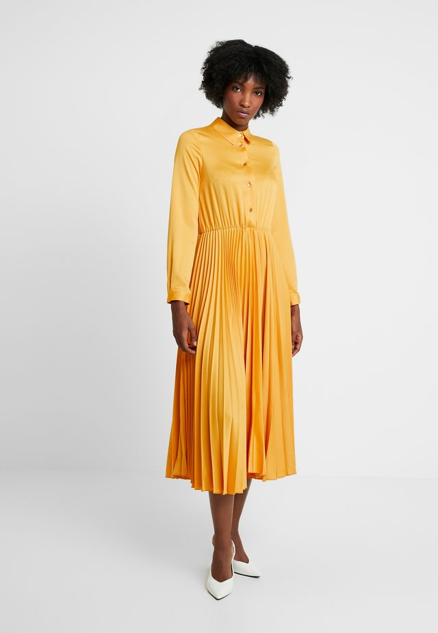 CLOSET PLEATED DRESS - Shirt dress - mustard