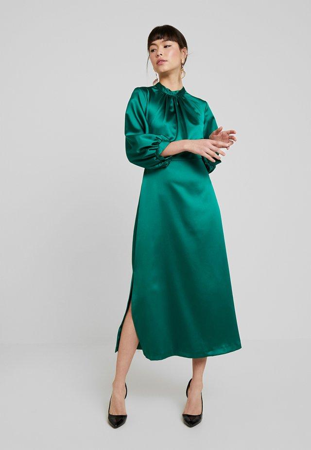 GATHERED NECK A-LINE MIDI DRESS - Day dress - green