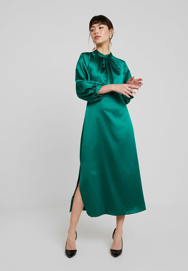 Closet - GATHERED NECK A-LINE MIDI DRESS - Korte jurk - green