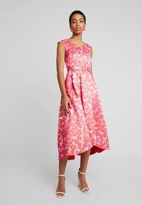 Closet - HI-LO PLEATED DRESS - Robe de soirée - lilac - 0