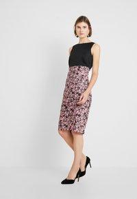 Closet - PLEATED PENCIL DRESS - Robe fourreau - pink - 2