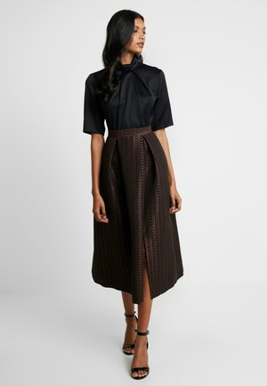 COLLAR FULL SKIRT DRESS - Cocktailklänning - rose gold