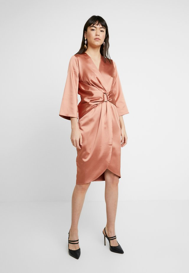 PLEATED WRAP DRESS - Korte jurk - rose gold