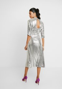 Closet - KIMONO SLEEVE DRESS - Vestito elegante - silver - 3