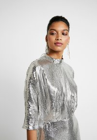 Closet - KIMONO SLEEVE DRESS - Vestito elegante - silver - 5