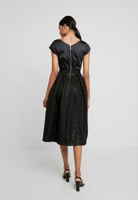 Closet - CLOSET GOLD FULL SKIRT V NECK DRESS - Cocktailkjole - black - 3
