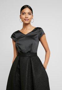 Closet - CLOSET GOLD FULL SKIRT V NECK DRESS - Cocktailkjole - black - 4