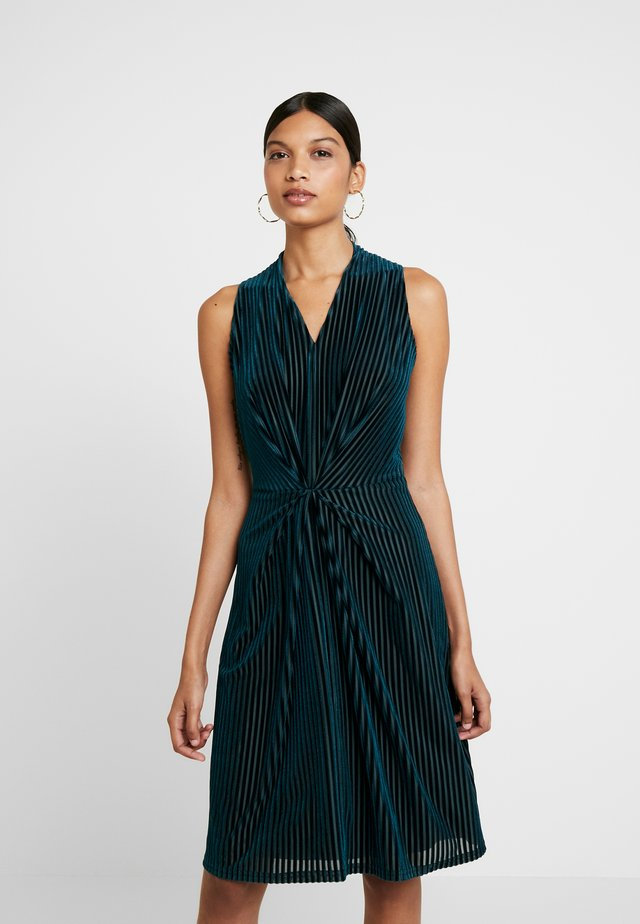 CENTRE PLEATS A LINE DRESS - Cocktailjurk - teal