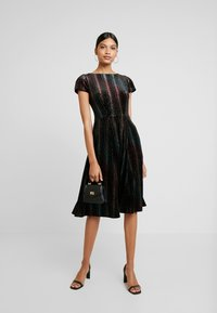 Closet - SKATER DRESS - Sukienka koktajlowa - black - 2