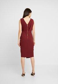 Closet - CLOSET DRAPED SLEEVELESS WRAP DRESS - Pouzdrové šaty - tawny port - 3