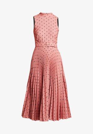 PLEATED DRESS - Denní šaty - rose
