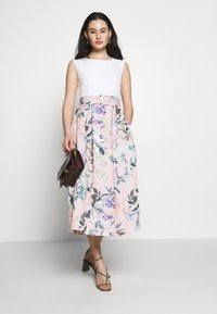 Closet - CLOSET PLEATED SKIRT DRESS - Juhlamekko - peach - 1