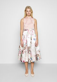 Closet - FULL SKIRT DRESS - Robe de soirée - peach - 0