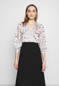 Closet - COLLARED PENCIL DRESS - Denní šaty - peach - 4