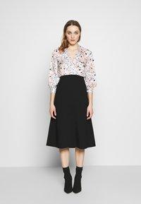 Closet - COLLARED PENCIL DRESS - Denní šaty - peach - 1