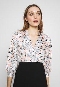 Closet - COLLARED PENCIL DRESS - Denní šaty - peach - 5