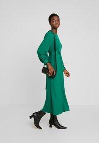 Closet - CLOSET HIGH NECK SKATER DRESS - Korte jurk - green - 1