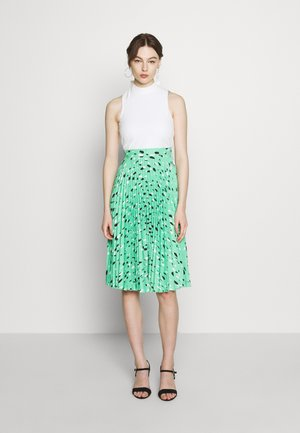 PLEATED DRESS - Day dress - green