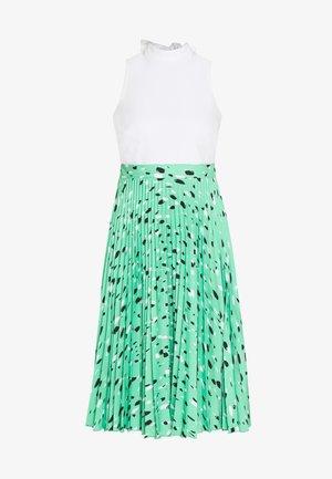 PLEATED DRESS - Denní šaty - green