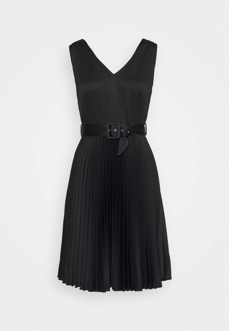 Closet - V-NECK PLEATED DRESS - Vestito elegante - black