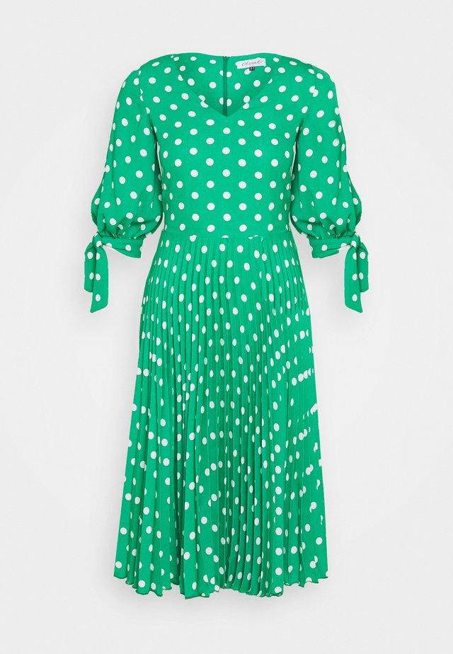 VNECK PLEATED DRESS - Hverdagskjoler - green