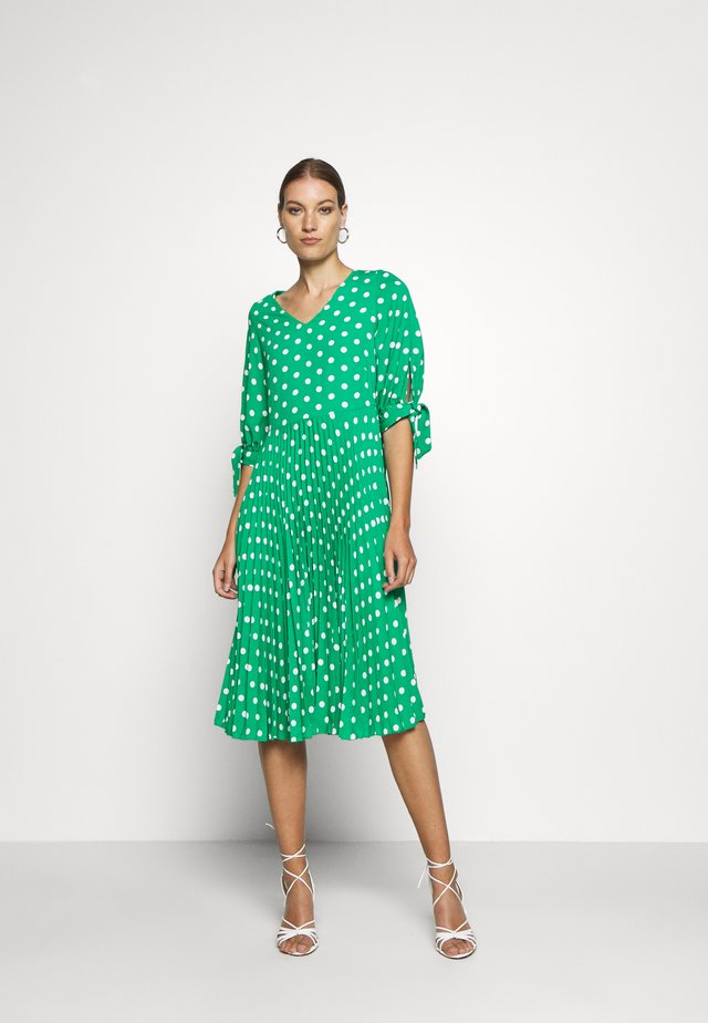 VNECK PLEATED DRESS - Korte jurk - green