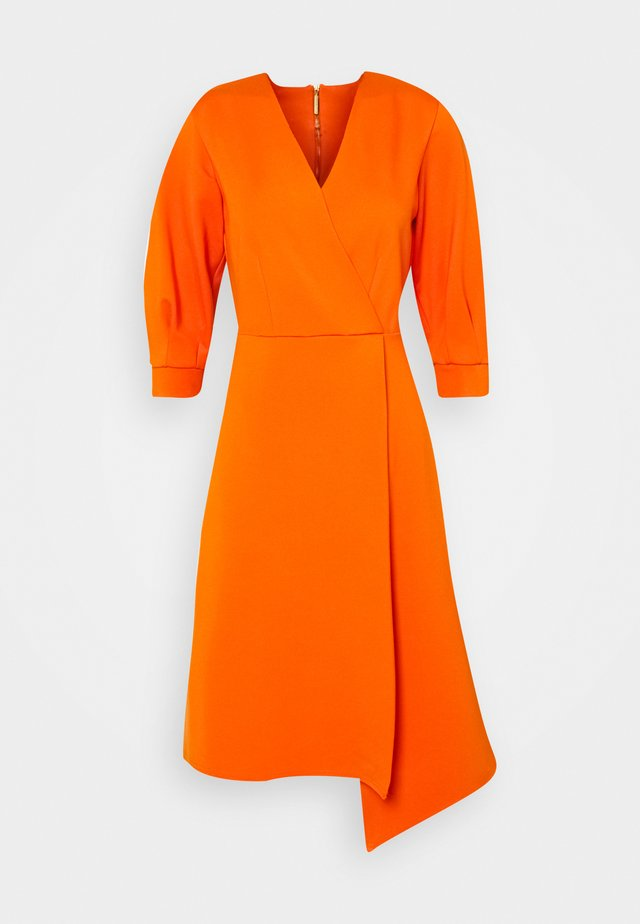SHORT SLEEVE WRAP DRESS - Fodralklänning - orange