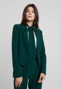 Closet - LONDON TAILORED - Blazer - green - 0