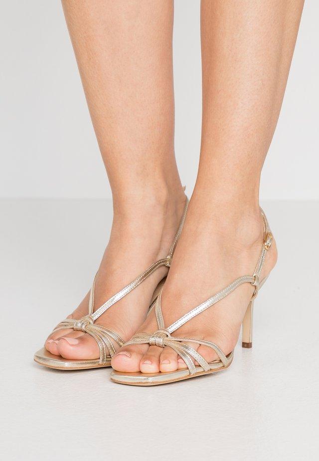 Sandaletter - light gold