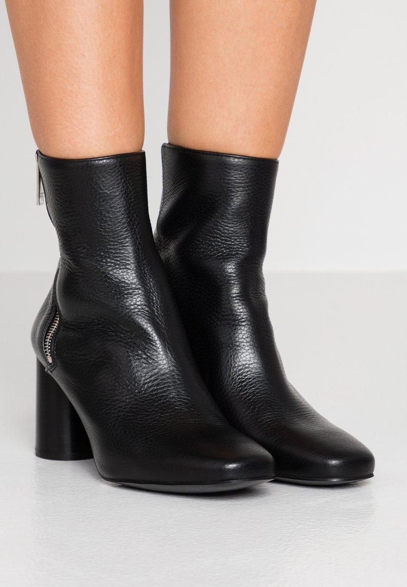 Claudie Pierlot - Classic ankle boots - noir