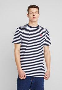 Cleptomanicx - STRIPE - Print T-shirt - navy - 0