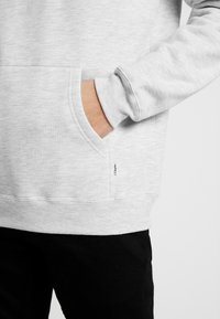 Cleptomanicx - EMBRO GULL - Hoodie - light heather gray - 4