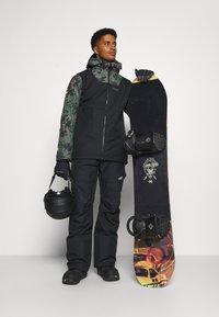 COLOURWEAR - TILT PANT - Snow pants - black - 1