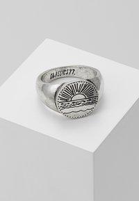 Classics77 - SANTIAGO SIGNET - Prsten - silver-coloured - 0