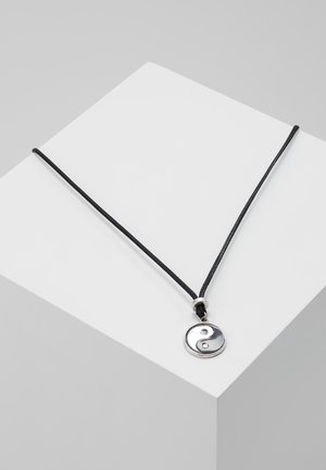 FAR FROM HOME NECKLACE - Kaulakoru - silver-coloured