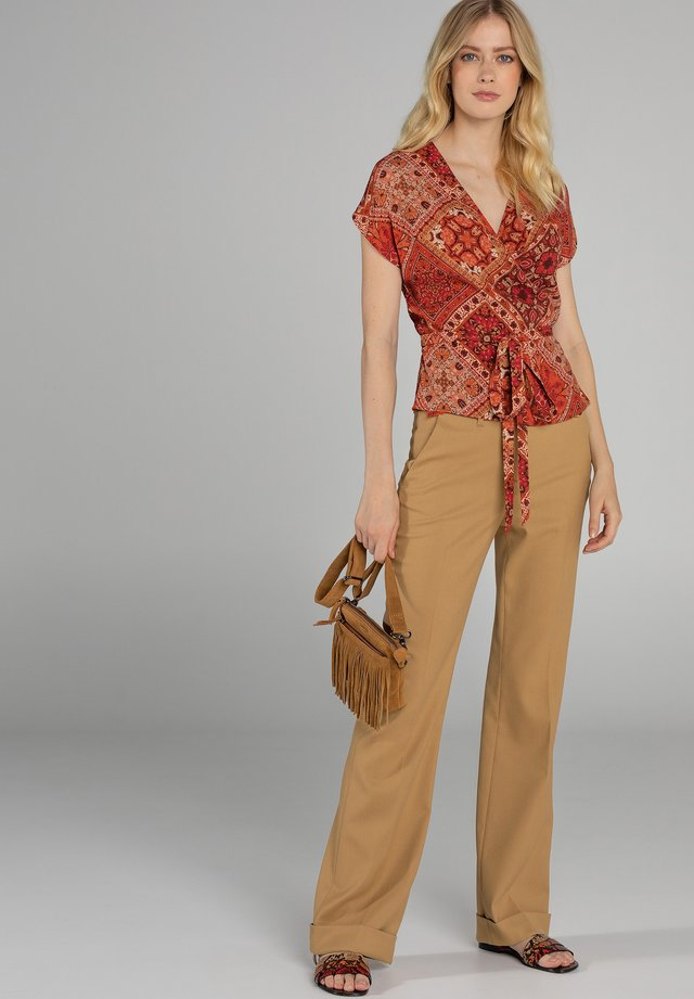 Blouse - brown camel