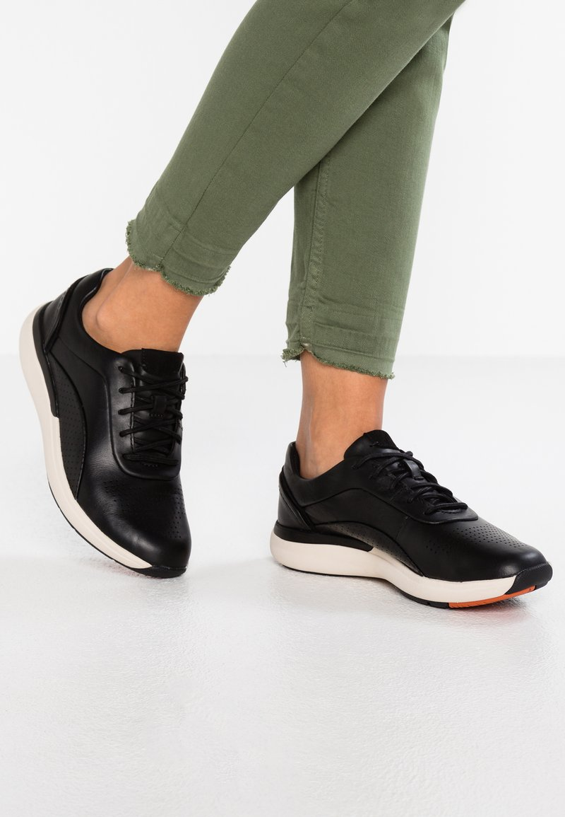Clarks Unstructured - CRUISE LACE - Trainers - black
