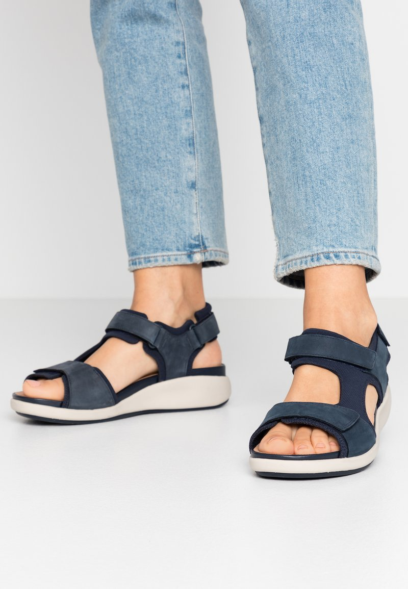 Clarks Unstructured - UN BALI TREK - Wedge sandals - navy