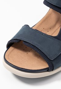 Clarks Unstructured - UN BALI TREK - Wedge sandals - navy - 2