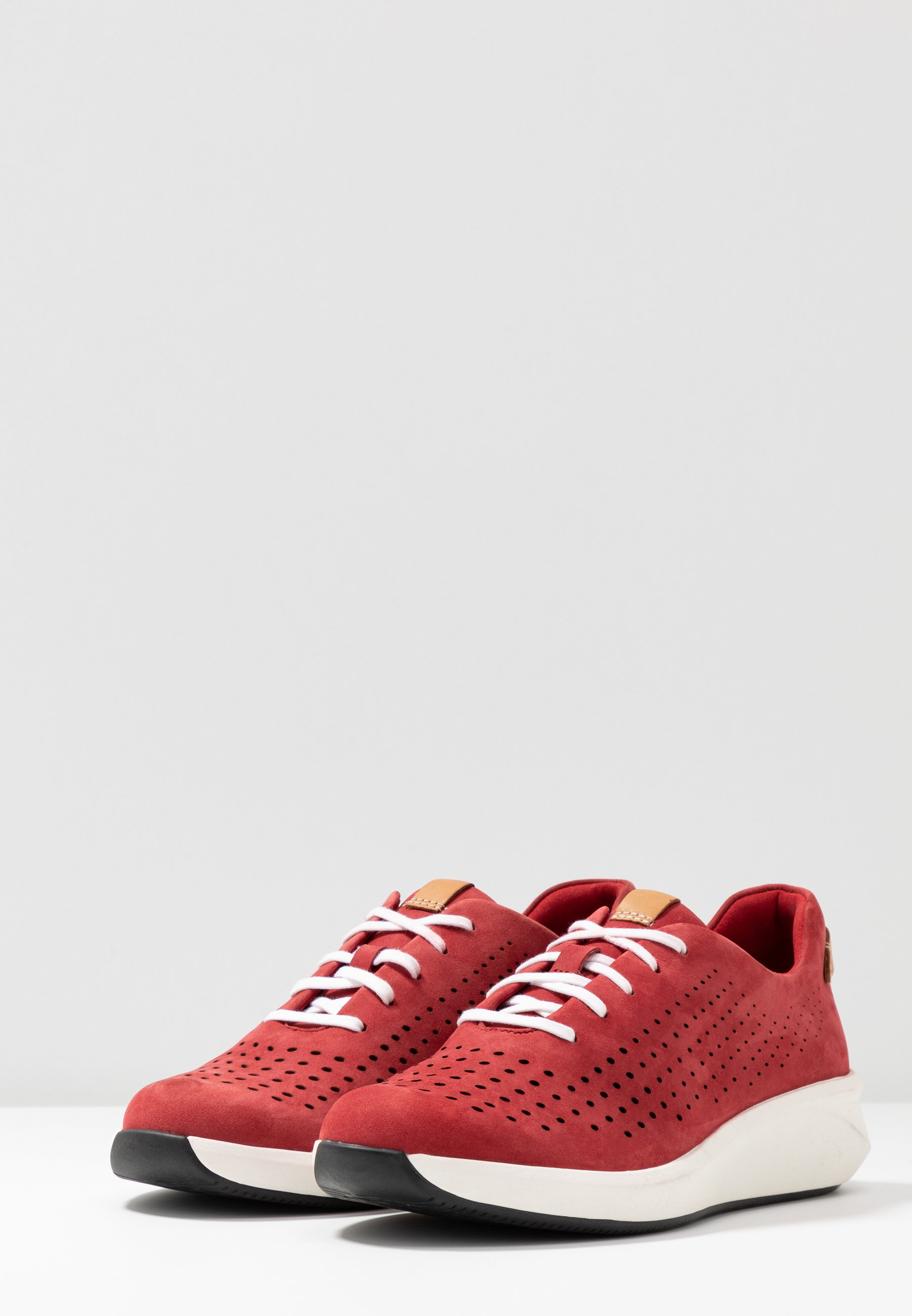 Clarks Unstructured RIO TIE - Sneakers - red