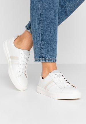 MAUI BAND - Sneakersy niskie - white