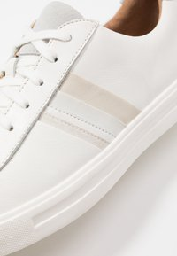 Clarks Unstructured - MAUI BAND - Trainers - white - 2