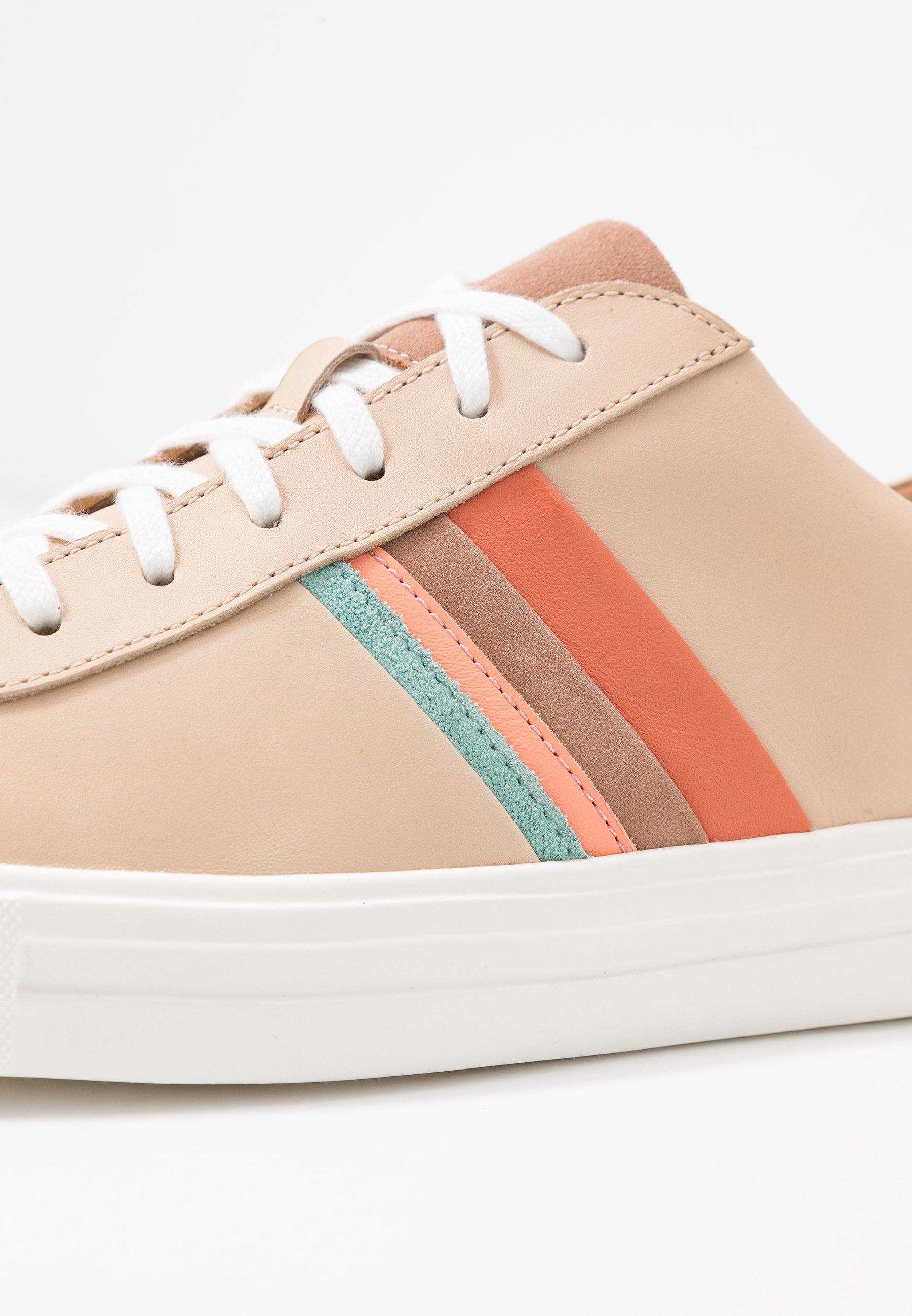 Clarks Unstructured MAUI BAND - Sneakersy niskie - light tan