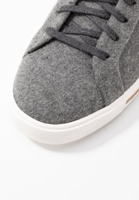 Clarks Unstructured - UN MAUI LACE - Sneaker low - grey - 2