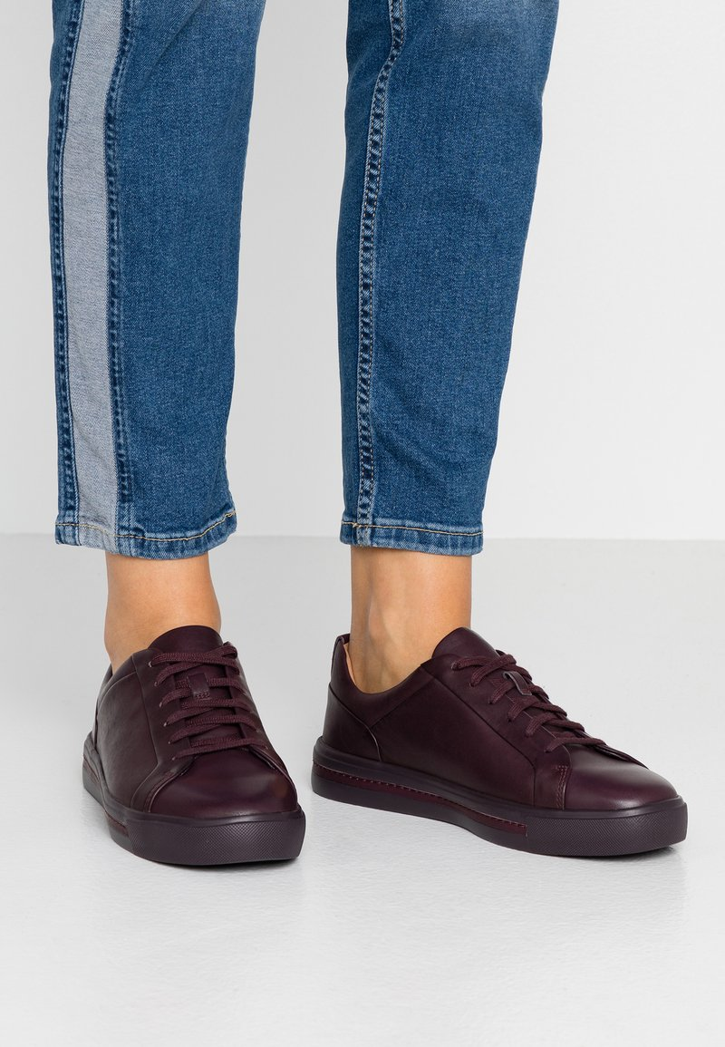 Clarks Unstructured - UN MAUI LACE - Sneakers basse - aubergine