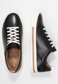 Clarks Unstructured - UN MAUI LACE - Sneakersy niskie - black - 3