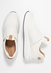 Clarks Unstructured - UN RIO LACE - Trainers - white - 3