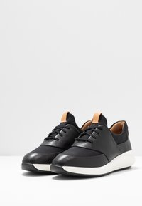 Clarks Unstructured - UN RIO LACE - Baskets basses - black - 4