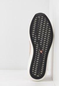 Clarks Unstructured - RIO STEP - Scarpe senza lacci - blush - 6