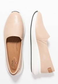 Clarks Unstructured - RIO STEP - Półbuty wsuwane - blush
